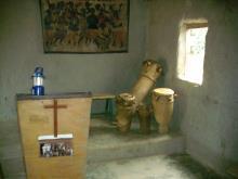 Eglise locale dogosse de Bawe.jpg